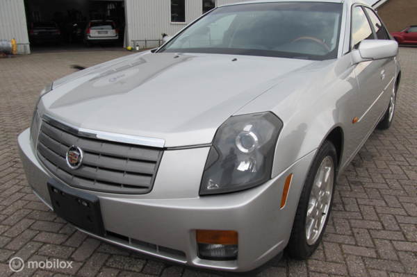 Cadillac CTS 2.6 V6 Sport Luxury, YOUNGTIMER, 49900 km, top