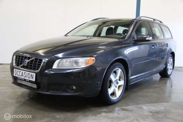Volvo V70 2.5FT Momentum Automaat