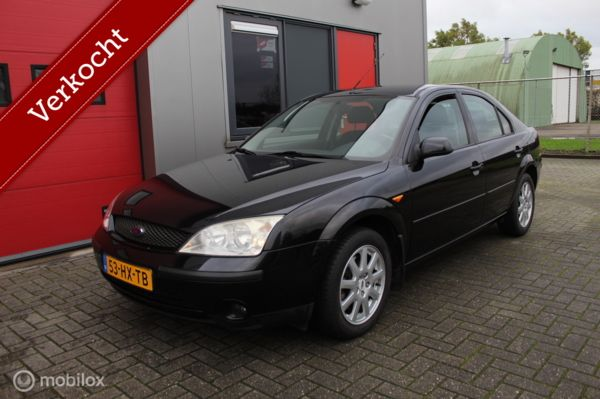 Ford Mondeo - 1.8-16V First Edition Clima , Trekhaak , Nieuwe APK