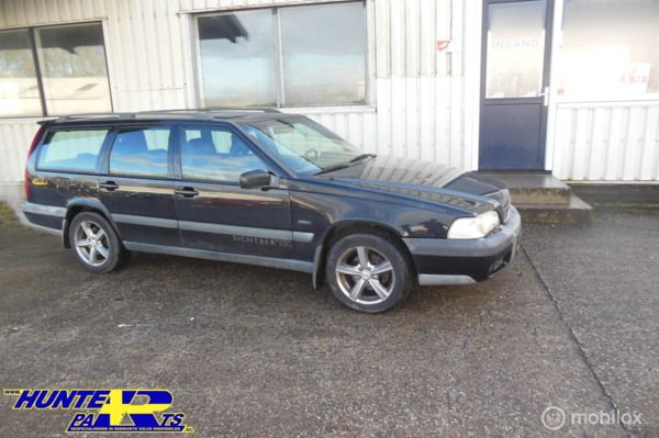 Volvo V70 2.5 T Cross Country AWD Exclusive , Kleurcode 019