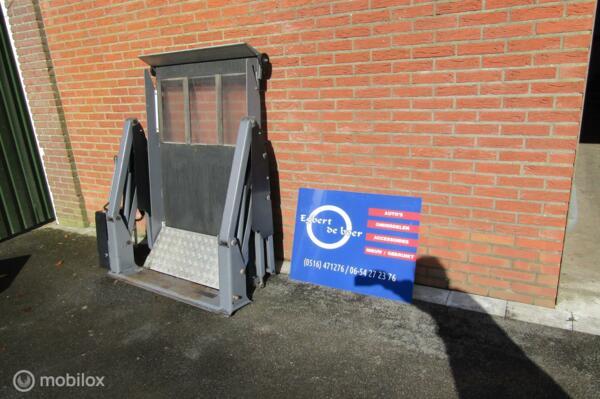 Invalidelift  elektrische rolstoel lift