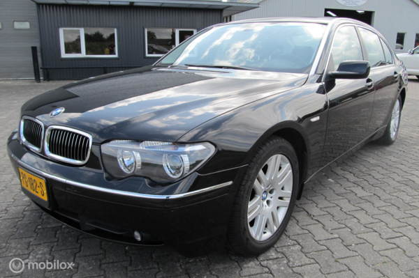 745Li  lang, zeer nette auto voor de liefhebber, zeer luxe !!