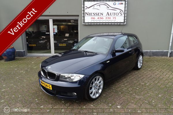 BMW 1-serie 118i E81 Executive M-pakket/18 inch/Verlaagd