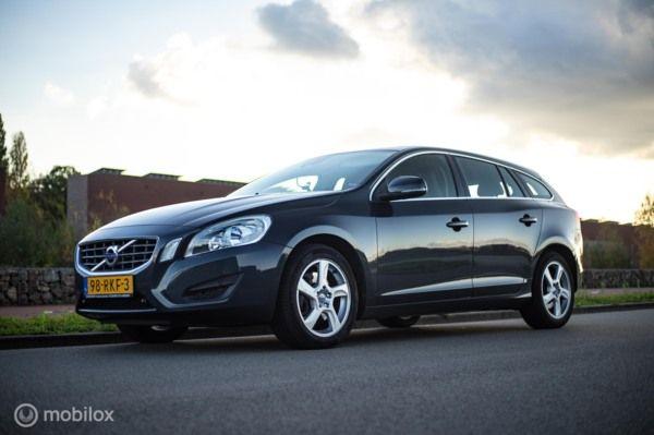 Volvo V60 2.0T Momentum