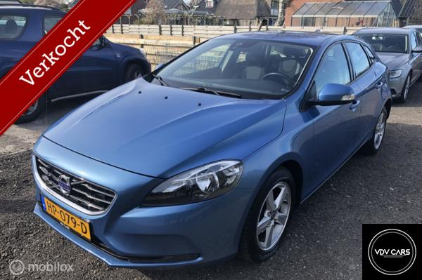 Volvo V40 2.0 D2 Momentum Business Pack Connect
