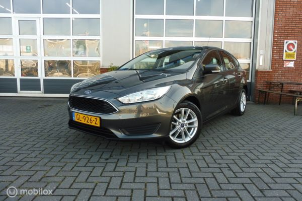 Ford Focus 1.0 Trend Edition navi,cruise control, pdc, NAP.