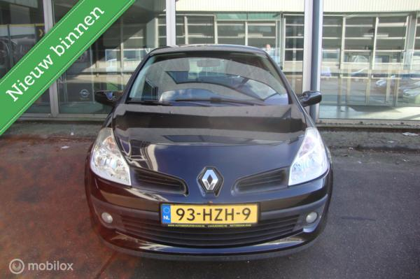 Renault Clio 1.2-16V  92331km met N.A.P