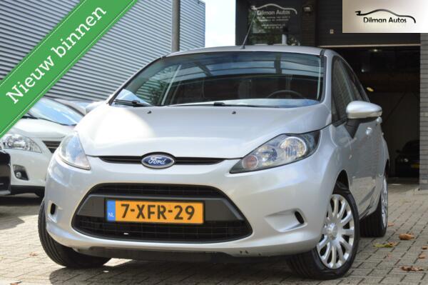 Ford Fiesta 1.25 Trend 2012! Airco Cruise control!Trekhaak!!