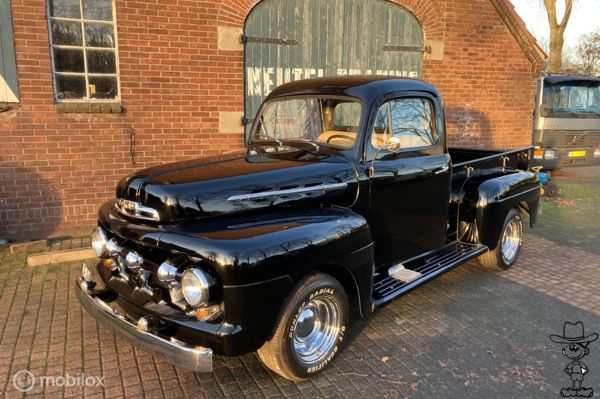 Ford USA f1 pick-up body-off 1951 body off gerestaureerd