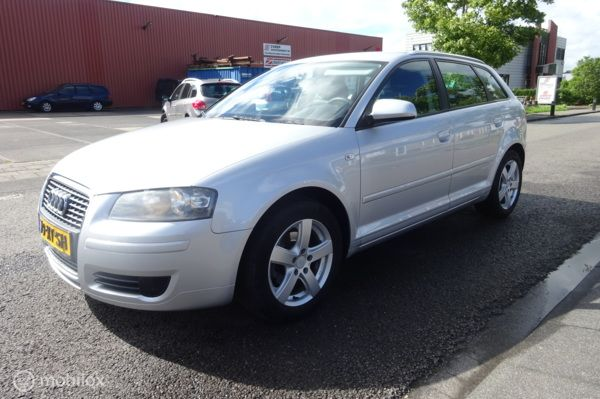 Audi A3  1.6 Exclusive  Attraction