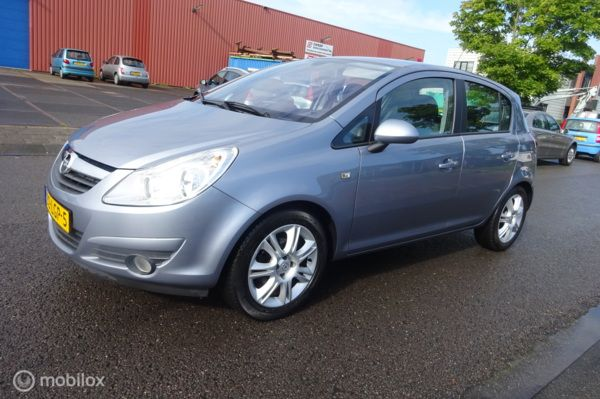 Opel Corsa 1.4-16V Cosmo Automaat ( Plaatje ) !!