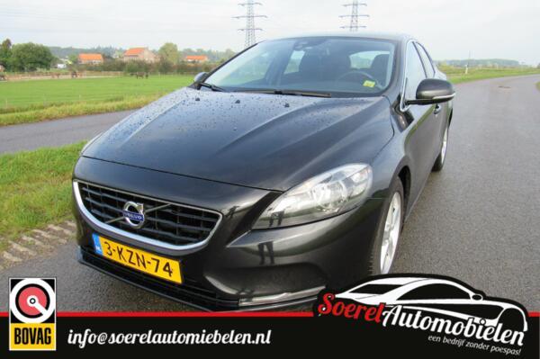 Volvo V40 1.6 D2 Momentum, cruise, camera, airco