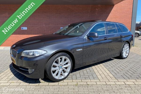 BMW 5-serie Touring 520d High Executive Automaat / Panorama
