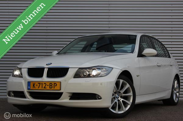 BMW 3-serie 320i Executive Automaat /XENON/LED/NAVI/CRUISE/STOELVERW./17 INCH/PDC V+A!