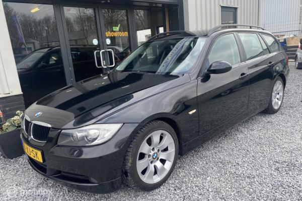 BMW 3-serie Touring 318i High Executive NAVI NAP!