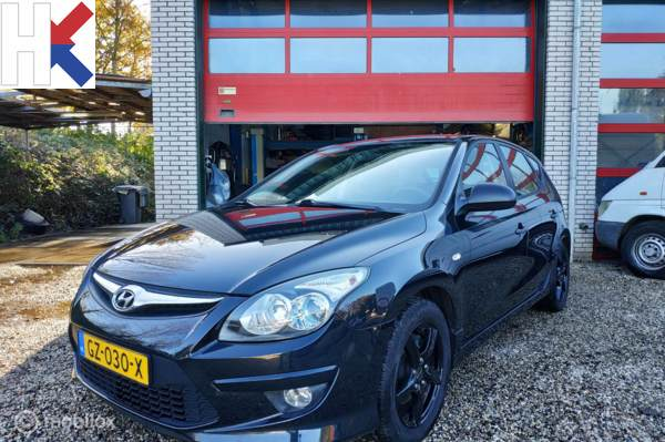 Hyundai i30 1.4i 5-deurs 2010 Airco ESP LM16 zwart nieuw APK