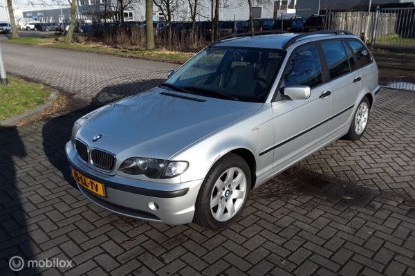 BMW 3-serie E46 Touring 316i Black & Silver Nieuw model Facelift