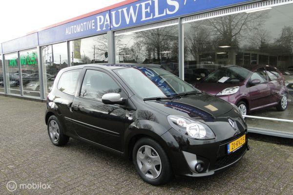Renault Twingo 1.2-16V, benzine, automaat, 2011, 31145 km     helemaal nieuwe van binnen en buiten