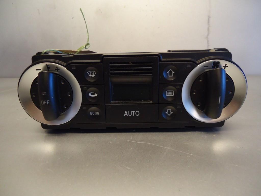 Audi TT climate control unit 8N0820043A