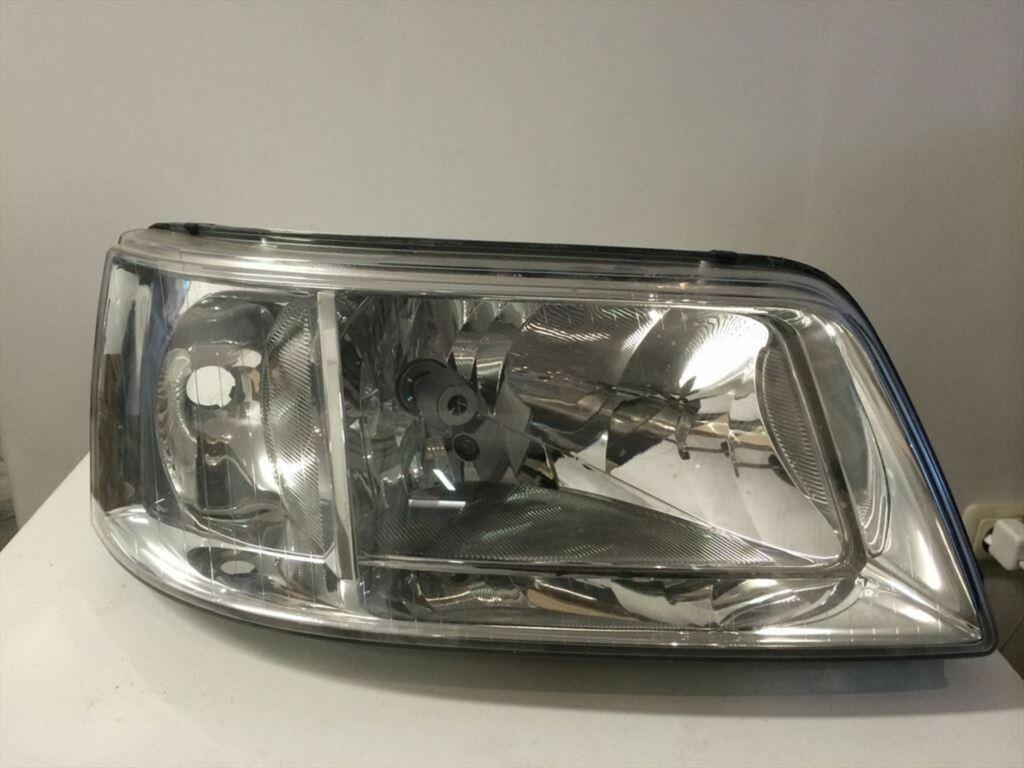 VW transporter T5  koplamp rechts 7H1941016N