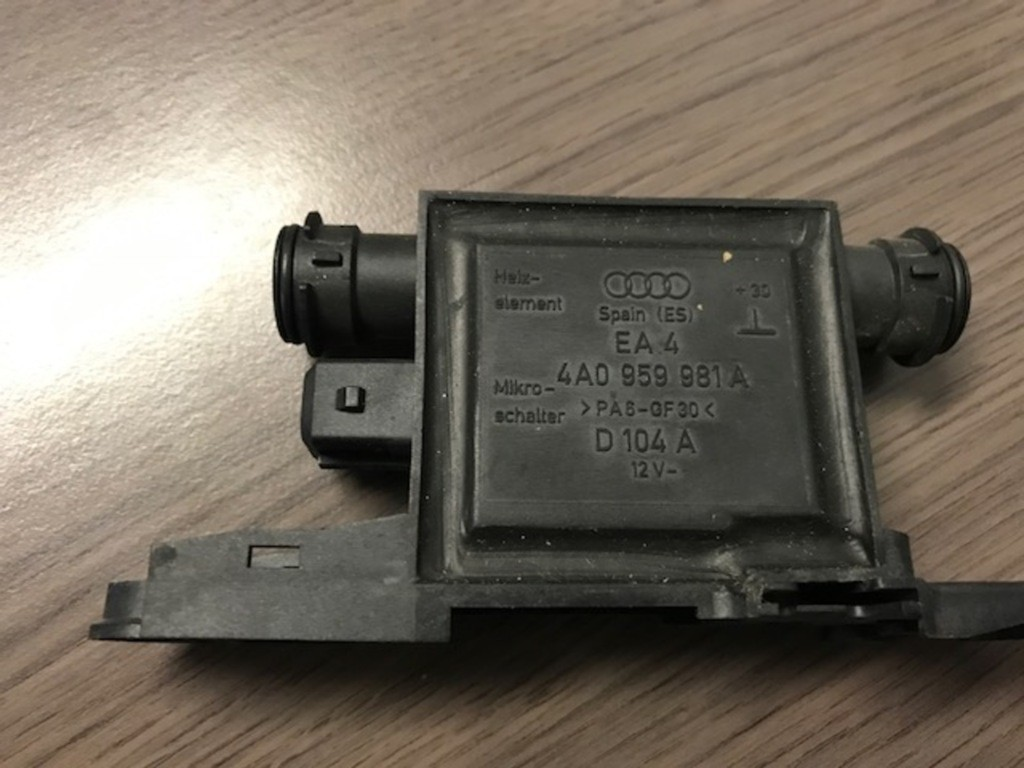 Audi A3 8LCentrale deurvergrendelingsmodule 4A0959981A