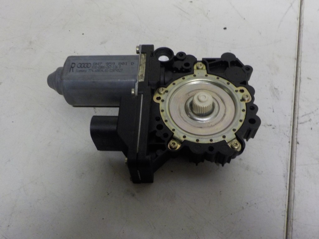 RaammotorlinksvoorAudi TT 8N ('98-'06)8N7959801D