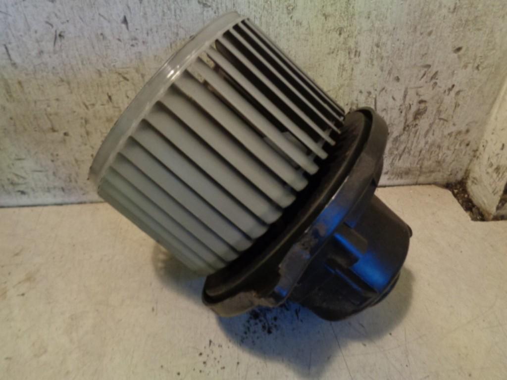 Kachelventilatormotor Daihatsu Young RV 1.3-16V S ('00-'06) 1940000982