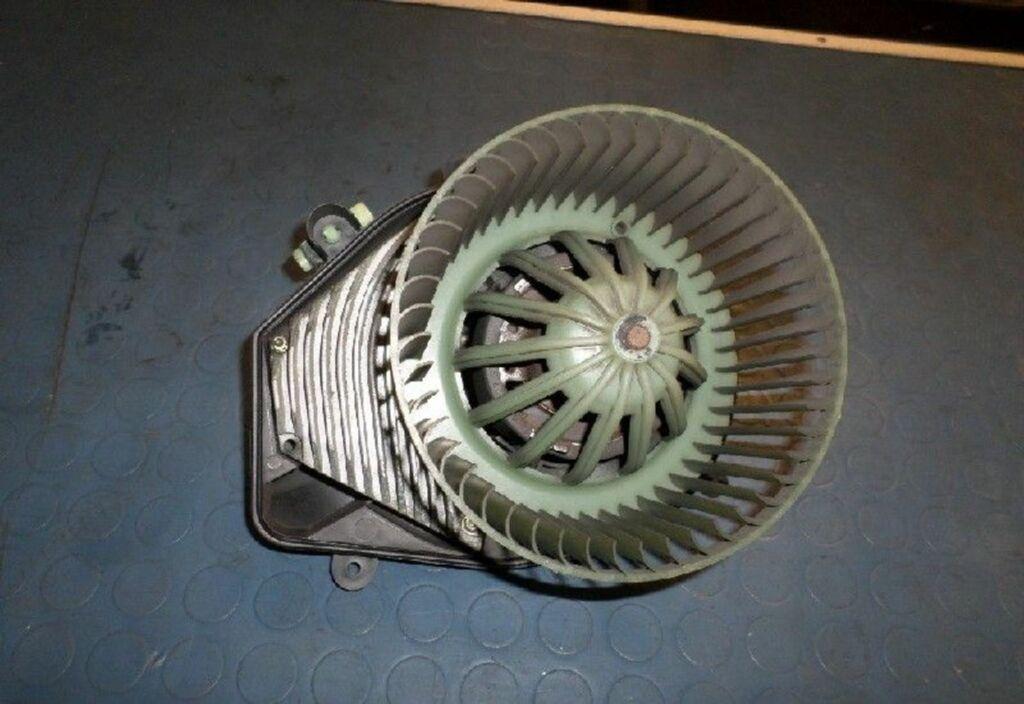 Kachelventilatormotor  Audi A4 Avant B5 1.9 TDI Advance