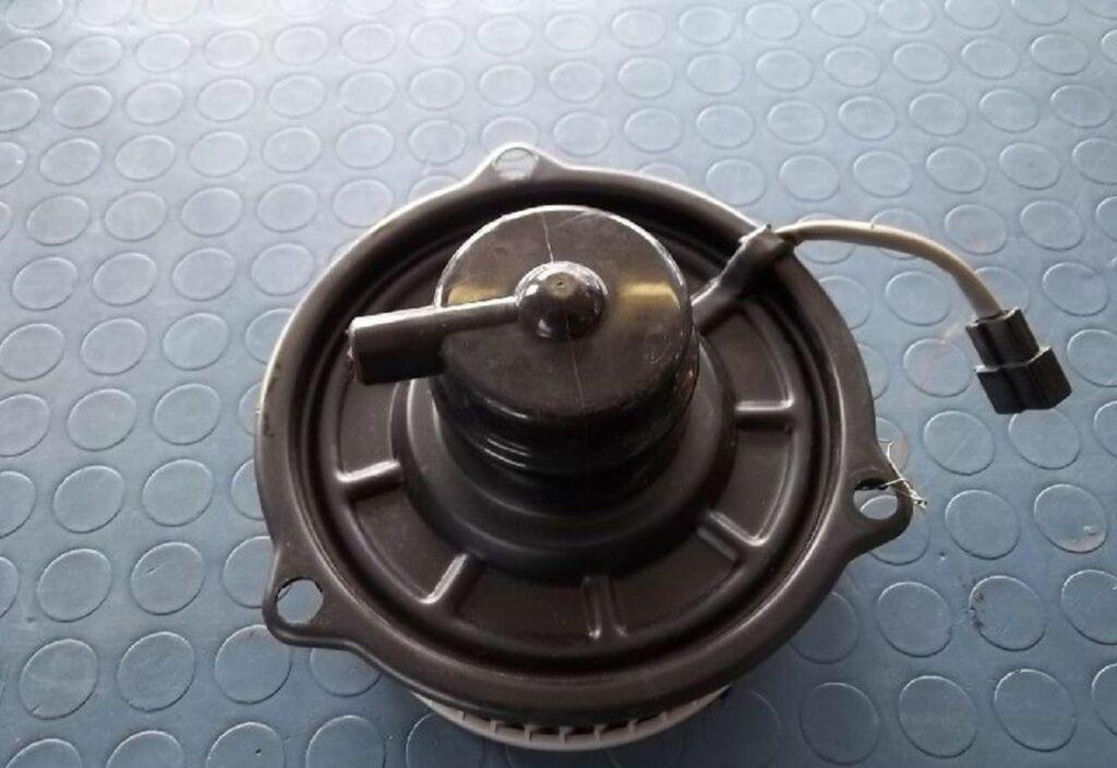 Kachelventilatormotor  Daihatsu Charade 1.3i TS