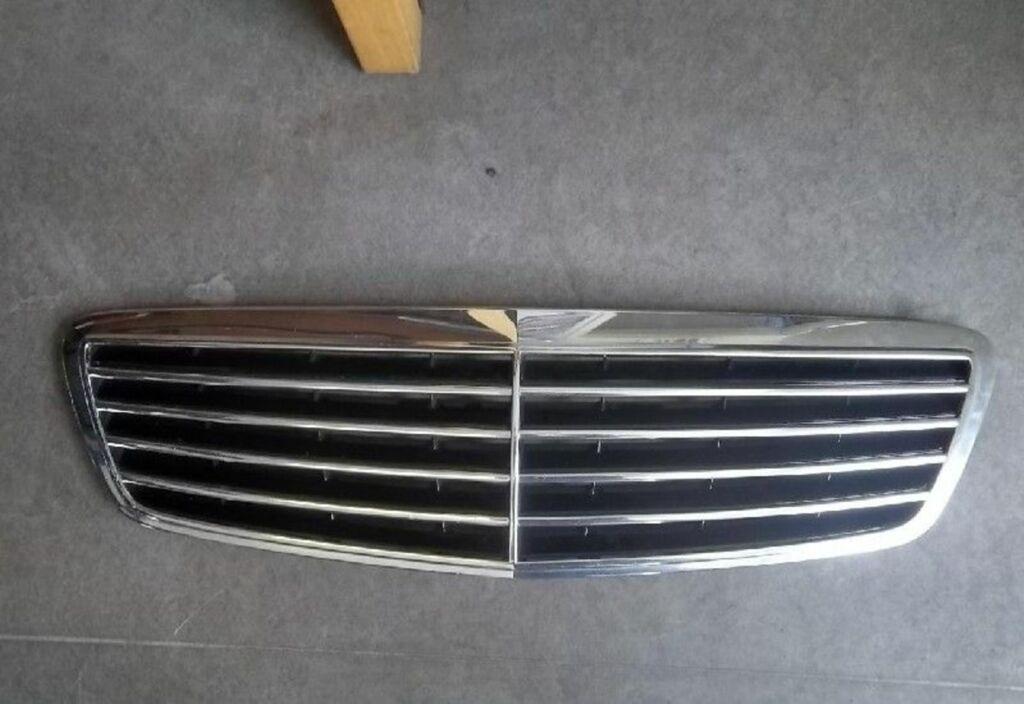 Grille 366 AZURITBLAU Blauw metallic Mercedes E-klasse W210 200 CDI Elegance