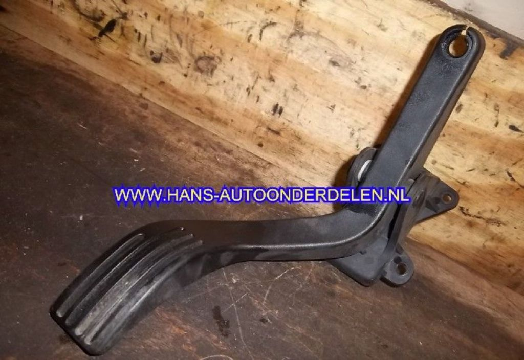 Gaspedaal  Ford Focus I 1.6-16V Ghia
