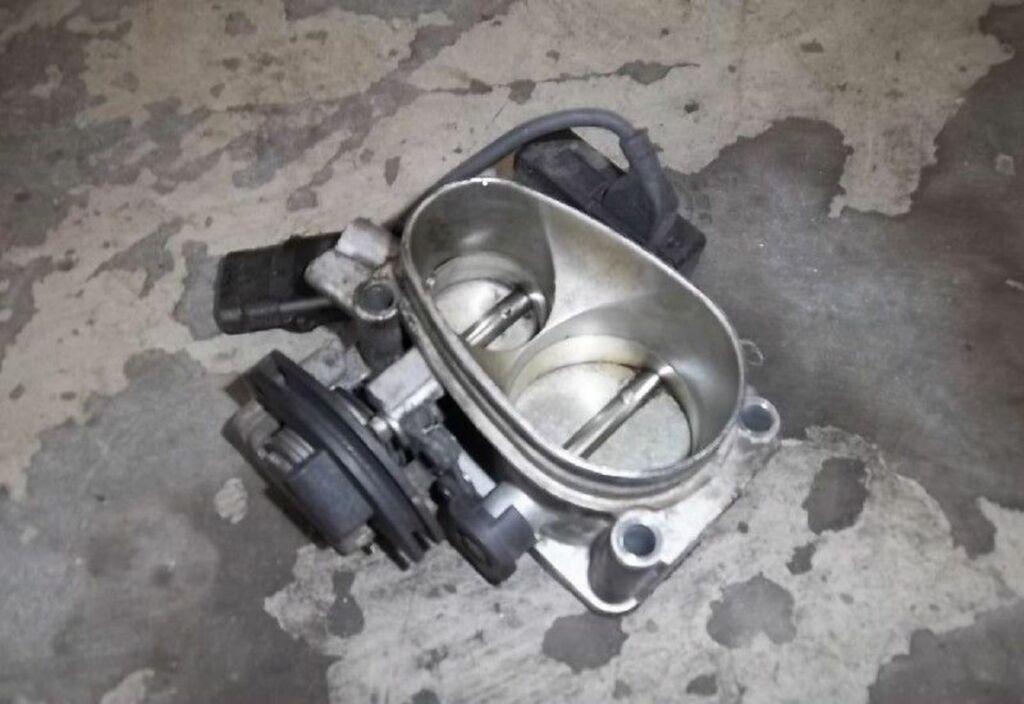 Gasklep-stelmotor  Renault Clio I 1.8 RSI