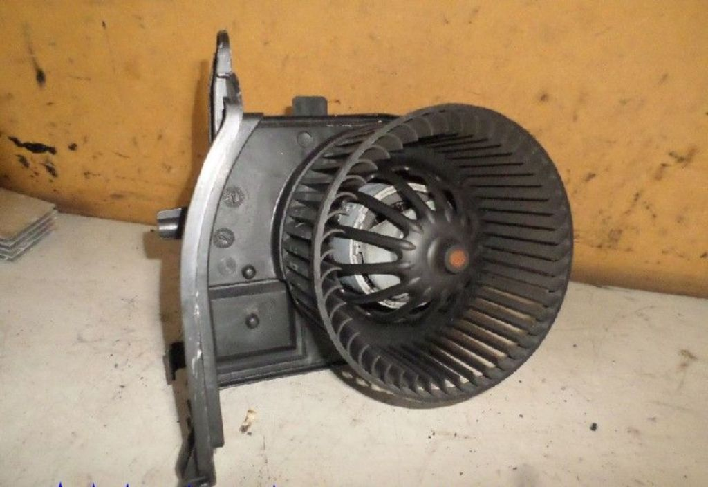 Kachelventilatormotor  Renault Clio II 1.6-16V Dynamique