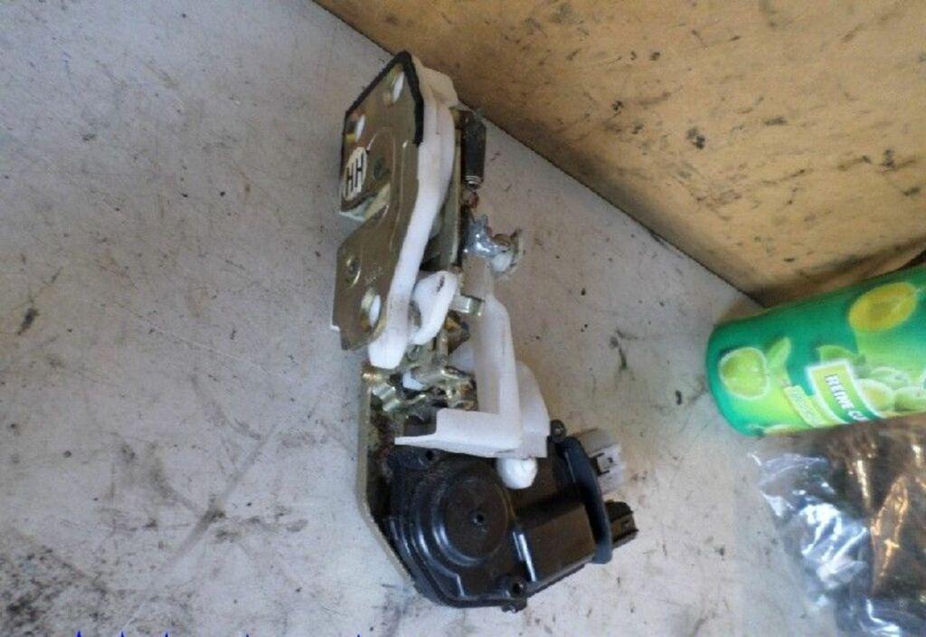 Slotmechanisme deur R Honda HR-V I 1.6i 2WD