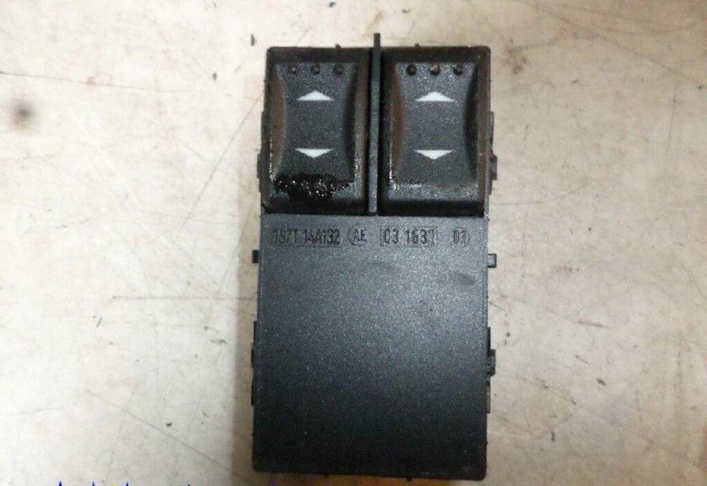Raamschakelaar  Ford Mondeo Wagon III 1.8-16V Ambiente