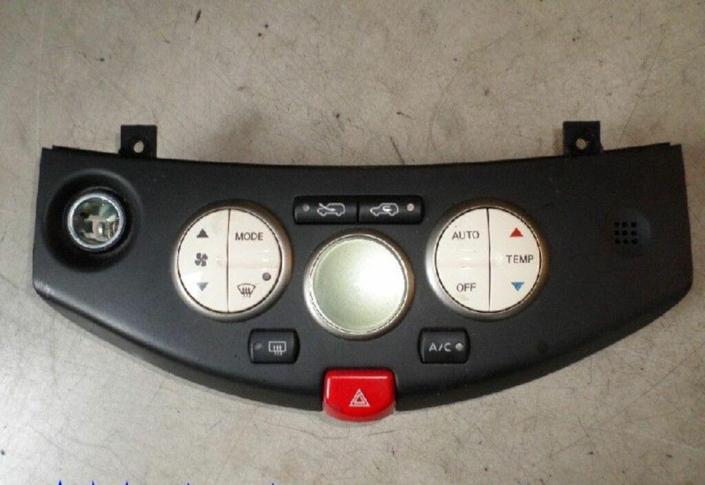 Bedieningspaneel kachel  Nissan/Datsun Micra (K12) Hatchback