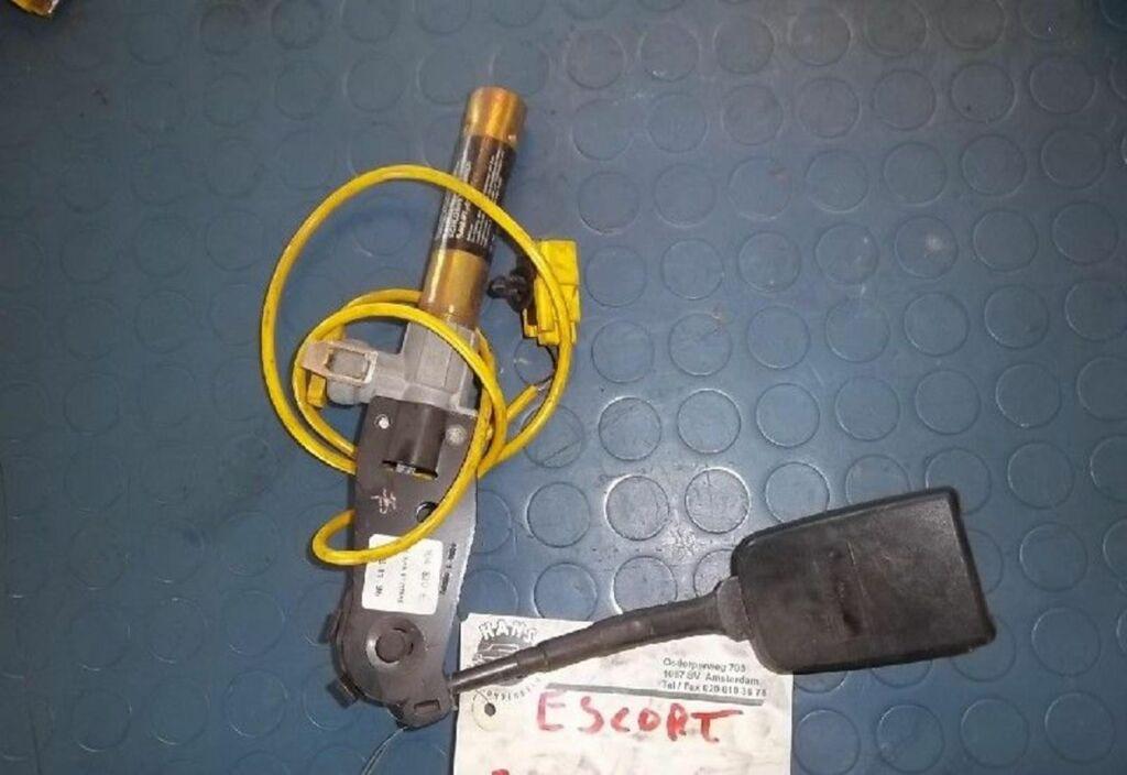 Gordelspanner L Ford Escort 1.6 CLX