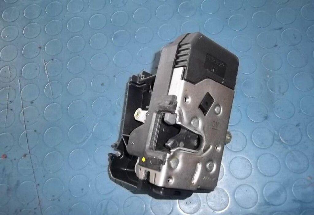 Slotmechanisme deur R Opel Vivaro bestel A 1.9 DI L1 H1