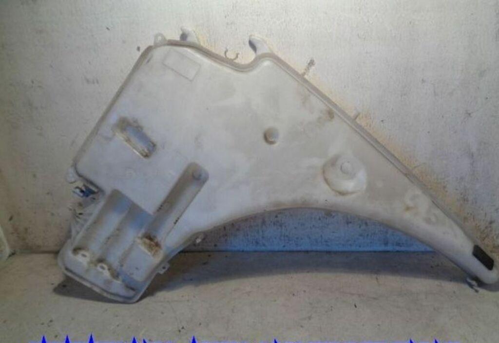 Ruitensproeierreservoir  BMW 1-serie E87/E81 118i