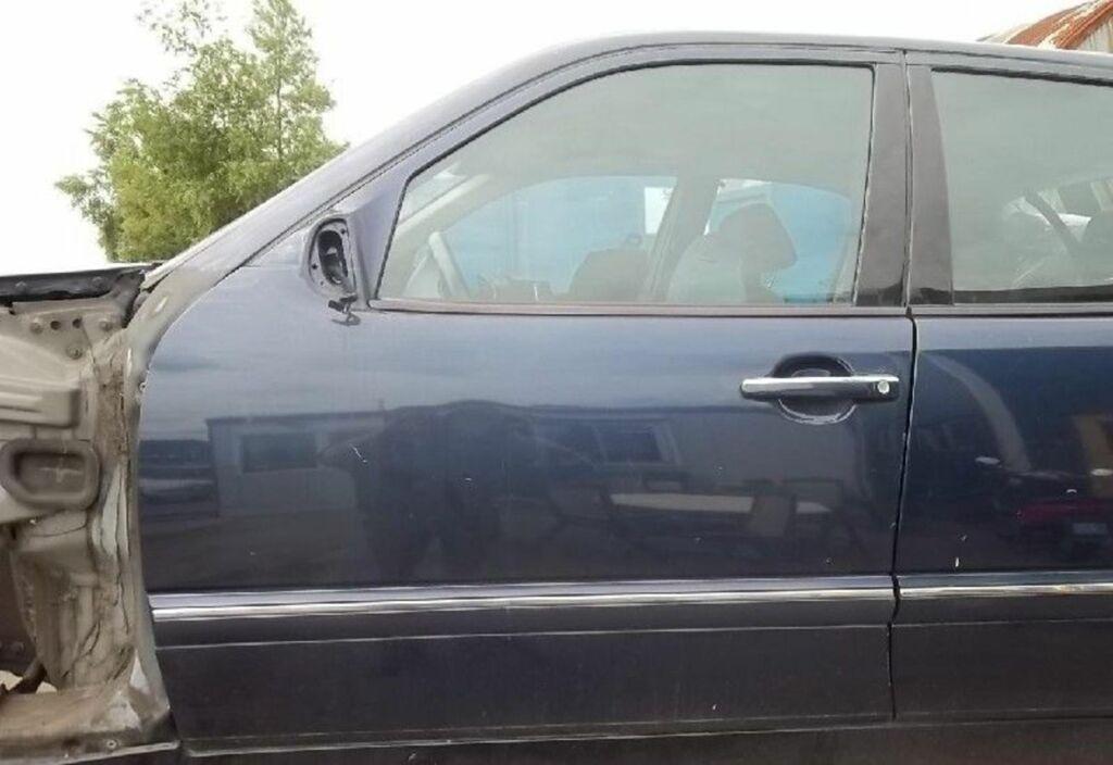 Portier LV 366 AZURITBLAU Blauw metallic Mercedes E-klasse W210 200 CDI Elegance