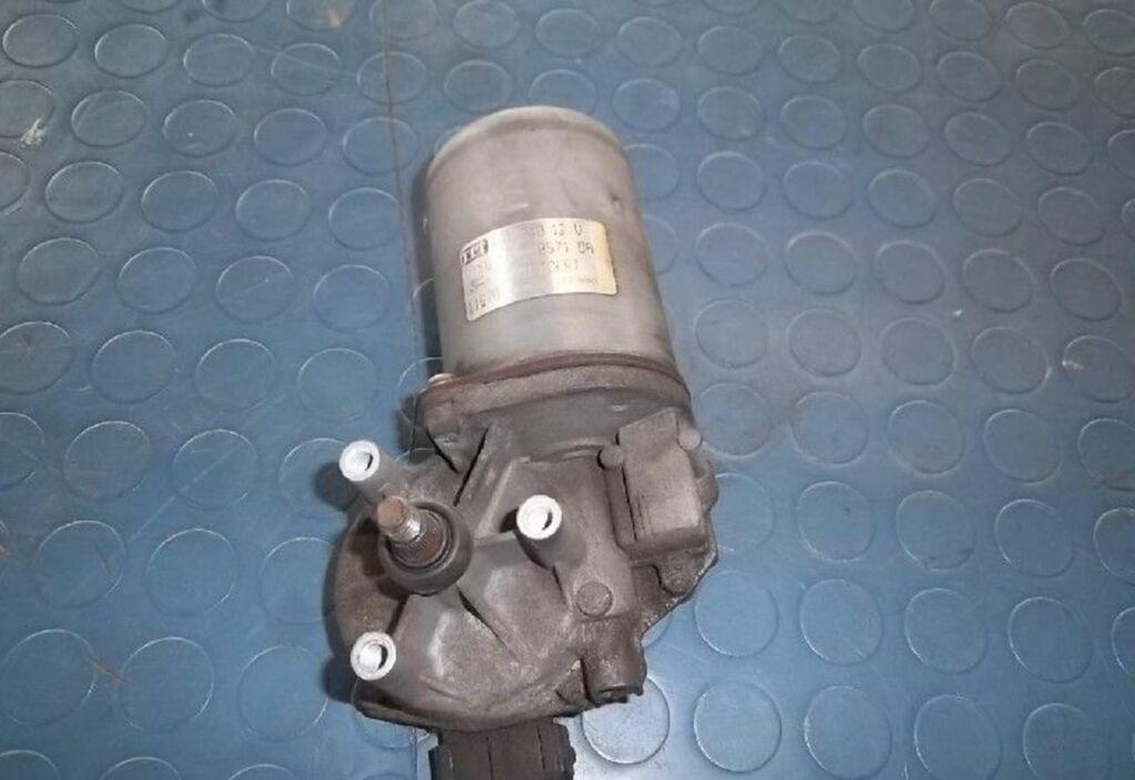 Ruitenwissermotor V Ford Fiesta IV 1.3-16V Techno