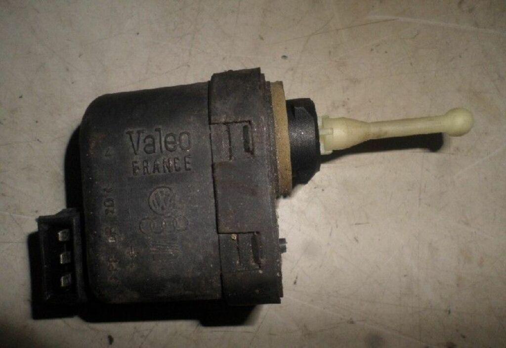 Koplampstelmotor L Audi A4 B5 1.6