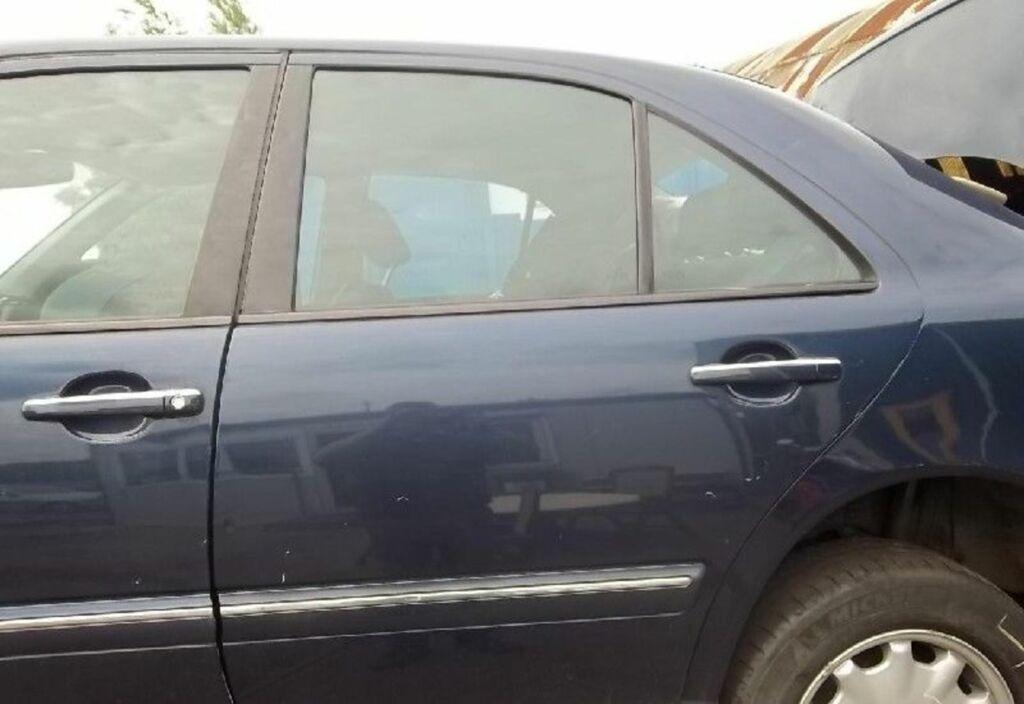 Portier LA 366 AZURITBLAU Blauw metallic Mercedes E-klasse W210 200 CDI Elegance