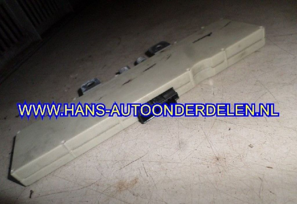 Antenneversterker  BMW 3 serie (E46/4) Sedan