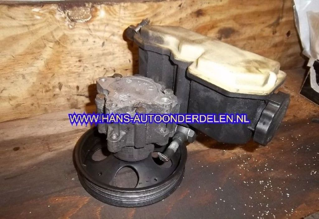 Stuurbekrachtigingspomp  Opel Vectra B 2.0i-16V CDX
