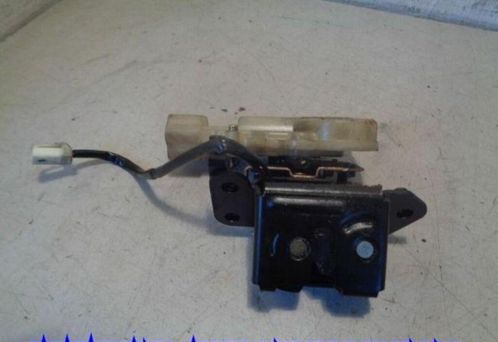 Aklepcilinderslot  Mazda 323 Fastbreak 2.0 DiTD GLX