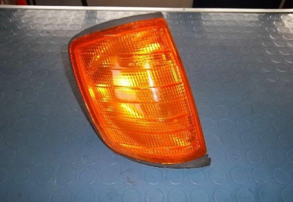 Knipperlicht R Mercedes 200-500 W124 230 E
