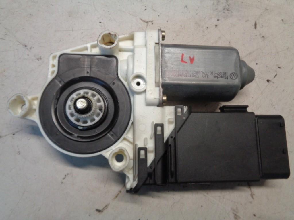 Motor raammechaniek linksvoor 5-deurs Seat Leon 1M 1.6-16V Signo ('00-'05) 1J1959801C