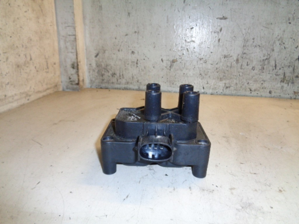 Bobine Ford Focus Wagon I 1.6-16V Ambiente ('98-'04) 988F12029AD