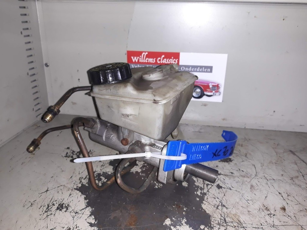 HoofdremcilinderVolvo V70 II 2.4 T AWD ('00-'08)8646007